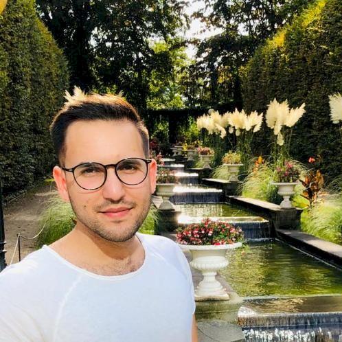 Riad - Arabic Teacher in Cologne: Hello everyone, I am Riad, a...