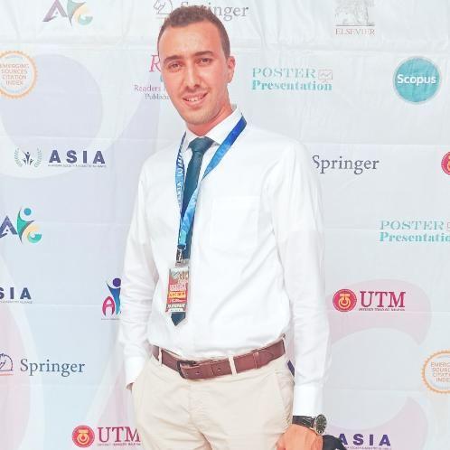 Riadh - French Teacher in Kuala Lumpur: Bonjour, je suis Riadh...