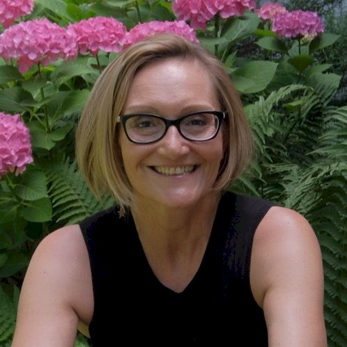 Viola - Italian Teacher in Singapore: I'm Italian, Bachelor in...