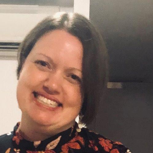 Ruth - Canberra: I enjoy meeting people, music, cuddling my ki...