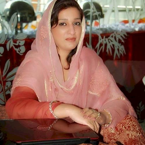 Sadia - Lahore: Hi, Sadia Cheema from Lahore Pakistan, Punjab...