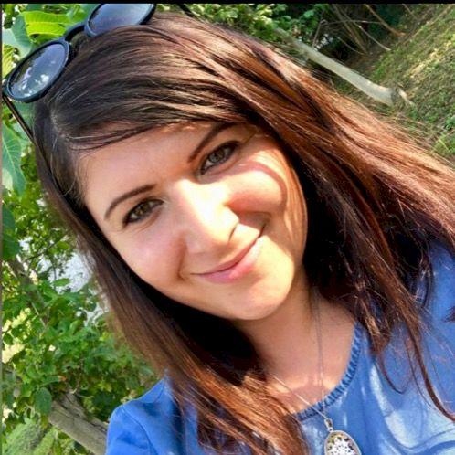 Sandra - Arabic Teacher in Prague: - Half Lebanese, Half Czech...