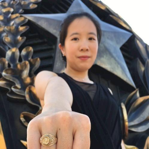 Shuyin - Cantonese Teacher in Chicago: I was born in Foshan Ch...