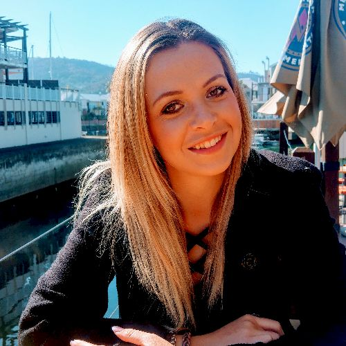 Sone - Afrikaans Teacher in Johannesburg: I'm 29 years old wit...