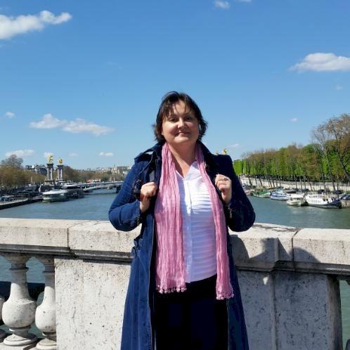 Sophi - Russian Teacher in Paris: Hello, people. My name is So...