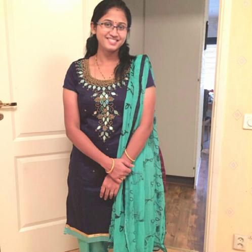Swetha - Telugu Teacher in Stockholm: I was born and brought u...