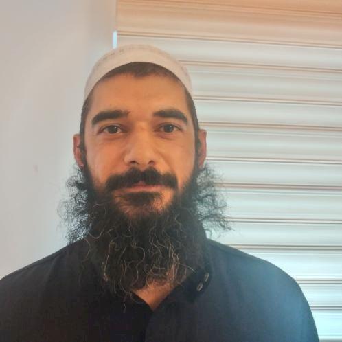 Tawfiq - Amman: My name is Tawfiq I'm 38 years I born in Jorda...