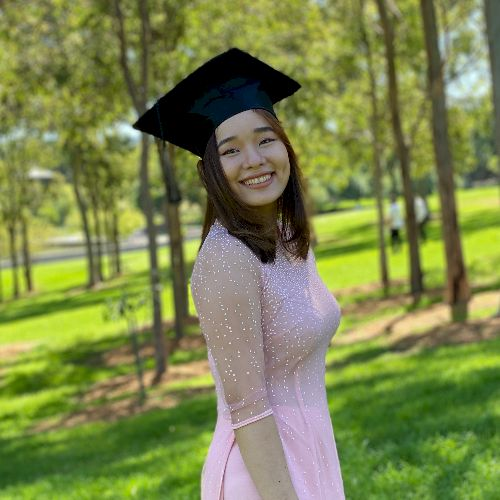 Thi - Vietnamese Teacher in Melbourne: I just graduated with a...