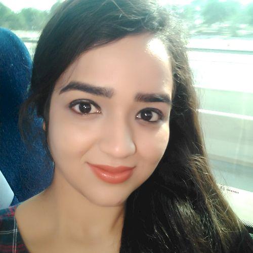 Urvashi - English Teacher in Abu Dhabi: I am a Bachelor of Com...