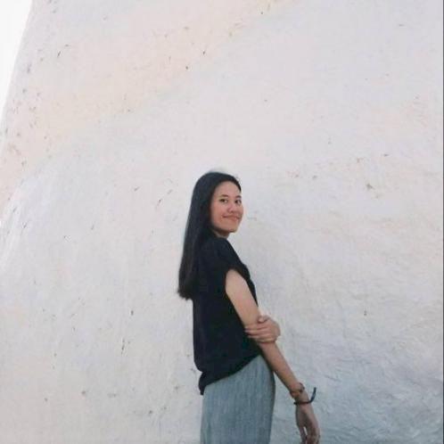 Usanee - Bangkok: I'm a last year college student. I'm majorin...