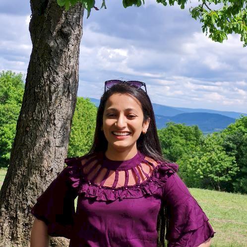 Uzma - Budapest: I am a native Hindi speaker and I have Englis...