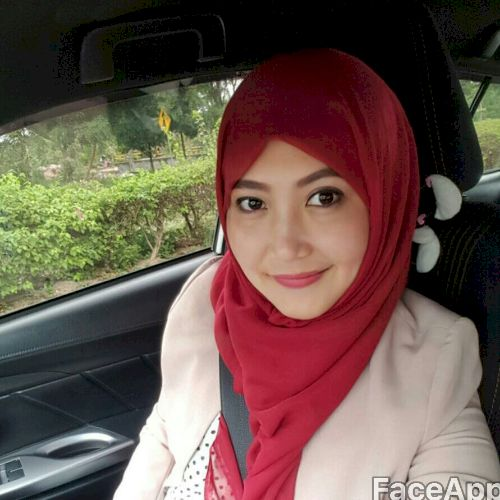 Vina - Indonesian Teacher in Jakarta: Hi, I am live in Batam, ...