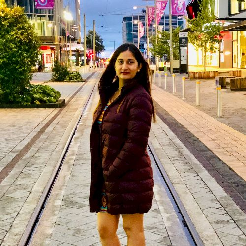 Vipasha - Hindi Teacher in Auckland: I am an Indian with great...