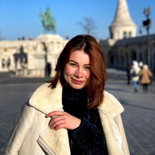 Vlada - Budapest: I am a student interested in history, litera...