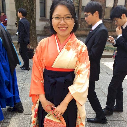 Win - Burmese Teacher in Tokyo: I was Graduated from Universit...