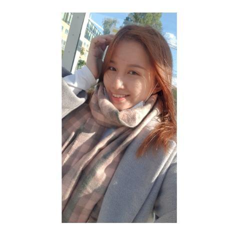Wing - Cantonese Teacher in Dublin: Hi , I am Zoe from Hong Ko...