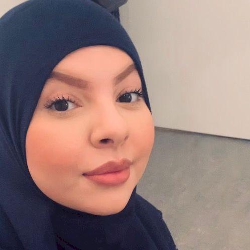 Yousra - Swedish Teacher in Dubai: My name is Yousra, a 25 yea...