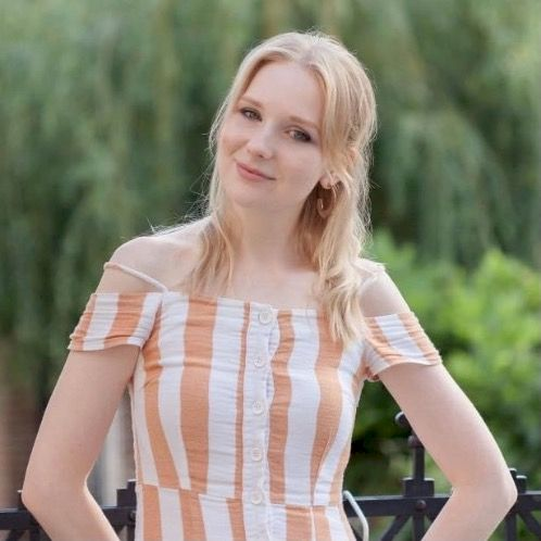 Yulia - Geneva: My name is Yulia and I am your guide to Russia...