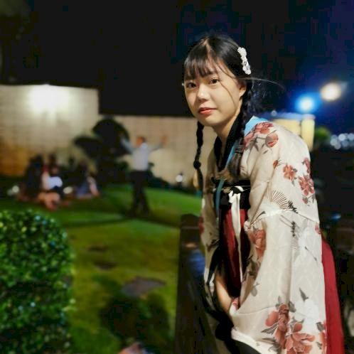 Yan - Hong Kong: (ONLINE LESSON ONLY) Hello everyone, I am Yan...