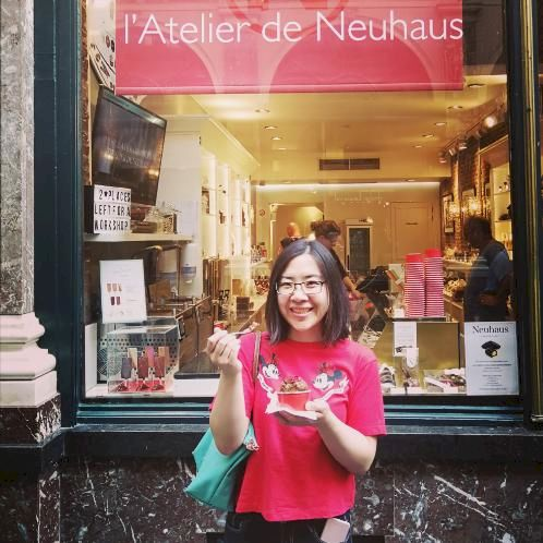 Zhen - Bruxelles: Hey there, my name's Jane. I just wrote a de...