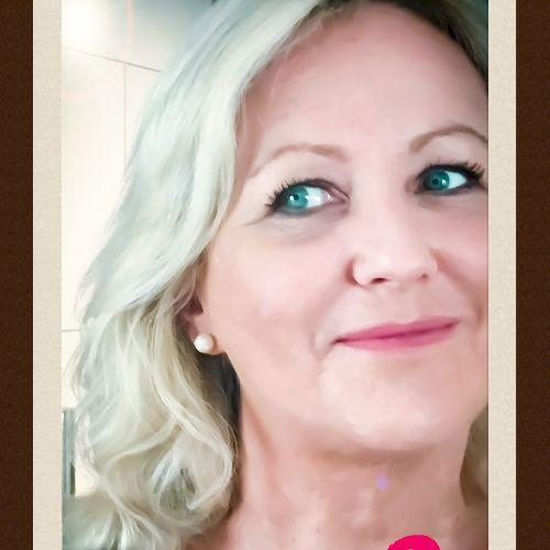 Zoë - English Teacher in Rome: I am a fully qualified British...