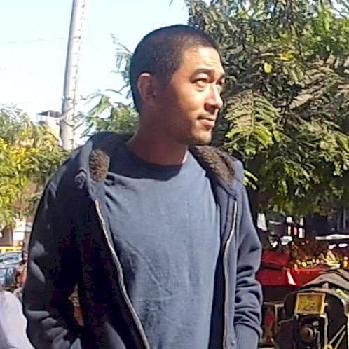 bob - Thai Teacher in Bangkok: Hi there, I'm bob. I was born...