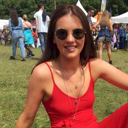 Fiona - Melbourne: Hi everyone! I am a Primary school teacher ...