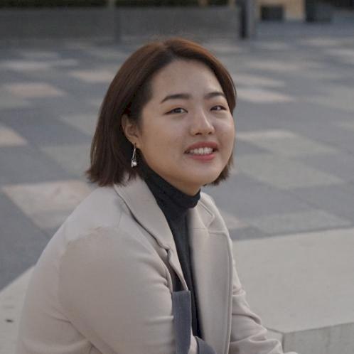 Hyunji - Korean Teacher in Sydney: Hi I'm Bella. I came Austra...