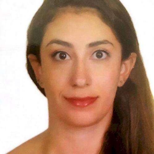 Rita - French Teacher in Singapore: Hello ! I am a Lebanese la...