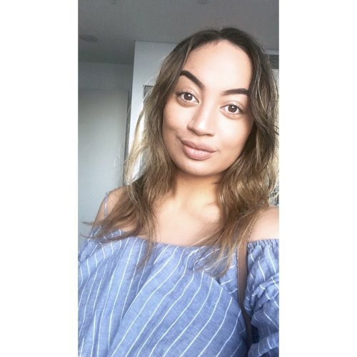 Taylor - Gold Coast: Hello, I'm Taylor and I am fluent in Engl...