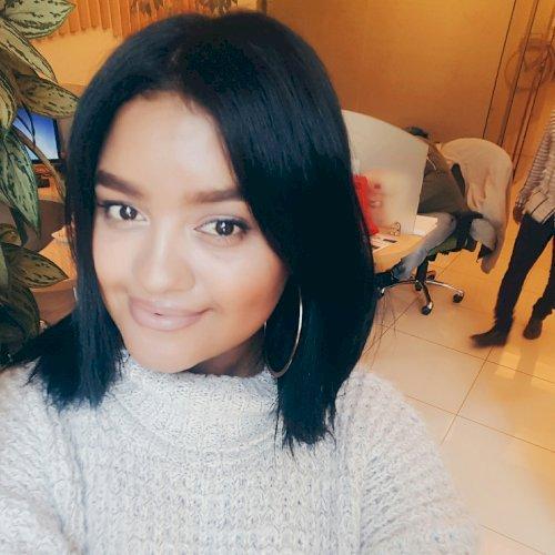 Warda - Cape Town: I am a bubbly, 24 year old Cancerian. I wor...